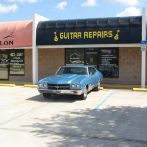 Uncle Wally's Guitar Repairs - Lessons